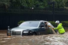 Ураганът!Идват наводнени автомобили, как да ги познаем. 9 начина!